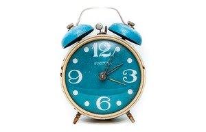 réveil matin bleu