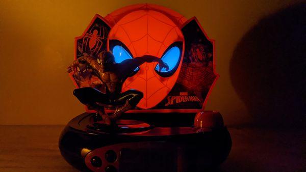 réveil spiderman en postion veilleuse